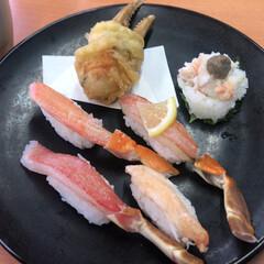 かにの豪華盛り/ランチ/お昼/お寿司/寿司/スシロー/...  こんばんは☆。.:*・゜  今日は主人…