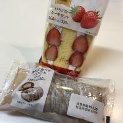 ファミマ/チョコ/ケーキ/苺/いちご/フォロー大歓迎/... こんばんは🌙.*·̩͙.。★*゚  皆さ…