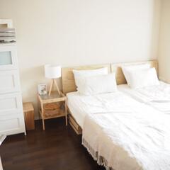 寝室/インテリア/ランプ/IKEA/ベッドルーム 寝室用に購入したスタンドライト。脚が木製…