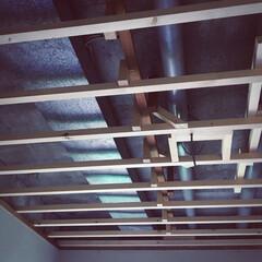 工事の準備/貼り替え/天井貼り替え/老朽化 業者さんに来てもらって 天井貼り替え工事…