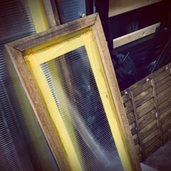 窓枠DIY/ポリカーボネート/窓枠/塗装/オールドウッドワックス/ジャコビーン/... 前投稿の角材とポリカーボネートで 作った…