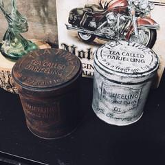 セリアの缶/缶/セリア/ブルーグレー/アンティーク/smilemind/... 【セリアの紅茶缶 塗装】  今回はセリア…