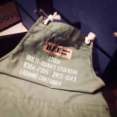 サリュのエプロン/salut/サリュ/エプロン/DIY サリュで買ったエプロン。 塗装の時に服が…