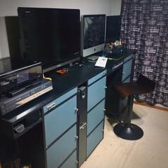 カウンターチェア/カラーボックス/DIY/天板/引き出し/キャスターワゴン/... PCデスクもスッキリ‼️ 今年は何を作ろ…