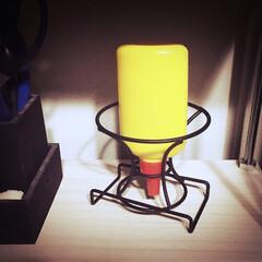アイデア/簡単/お手軽/アイデア収納/男前/ワイヤー/... 100均木工用ボンドを逆さに置いて 使う…
