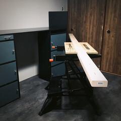 ブラックアンドデッカー/2×4/男前/クッションフロア/PCデスク/デスク /... 【記録用】 長い😂 作業するには6畳の部…