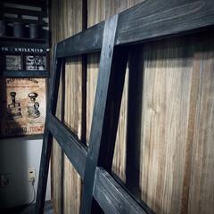 ガラス戸レール/ワンバイフォー材/アサヒペン/窓枠DIY/作業中/外枠/... ウッドジェルステインのブラックに 塗って…