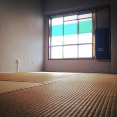 天井貼り替え/老朽化/家具移動/貼り替え/工事の準備 天井貼り替え工事のため 部屋から物を出し…