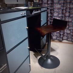 コンパクトチェア/男前/デスクdiy/デスクリメイク/PCデスク/カラーボックス/... ニトリのカウンターチェアを やっと買いま…