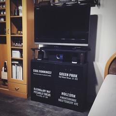 カラーボックス/ステンシル/リメイク/リニューアル/配置替え/テレビ台 テレビと棚がちょうど同じくらいだったので…