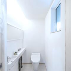 LIXIL/リクシル/INAX/イナックス/トイレ/タンクレストイレ/... ♪トイレの施工事例♪⠀ 白く、明るくとて…