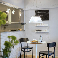 LIXIL/リクシル/リクシルキッチン/対面キッチン/対面型キッチン/対面式キッチン/... ♪ダイニングの施工事例♪⠀ 壁面はホワイ…