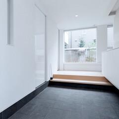 リクシル/LIXIL/玄関収納/玄関/明るい玄関/玄関インテリア/... ♪玄関ホールの施工事例♪⠀ 大きな玄関ホ…