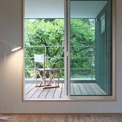 LIXIL/LIXILの窓/リクシル/サッシ/窓/大きな窓/... ♪ベランダの施工事例♪⠀ 庭の柿の木の近…