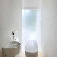 LIXIL/リクシル/トイレ/タンクレストイレ/サティス/トイレ手洗い/... ♪トイレの施工事例♪⠀ まるで美術館にあ…
