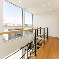 LIXIL/LIXILの窓/リクシル/サッシ/窓/大きな窓/... ♪階段スペースの施工事例♪⠀ 大きな窓を…