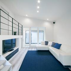 LIXIL/リクシル/Dフロア/室内窓/白いフローリング/明るいリビング/... ♪リビングの施工事例♪⠀ ブルーとホワイ…