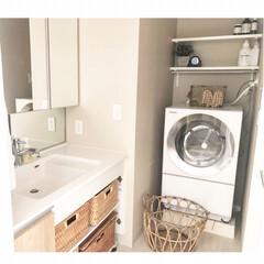 DIY棚/マーチソンヒューム/洗面所収納/子供と暮らす/ワイヤーかご/洗濯かご/... 3ヶ月ほど前に我が家にやってきた洗濯機。…