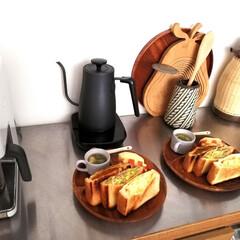 ホットサンド/朝ごはん/おうちごはん/朝ごパン/キッチン収納/キッチン雑貨/... 朝からこの量食べる子供達😂 今は家にいる…