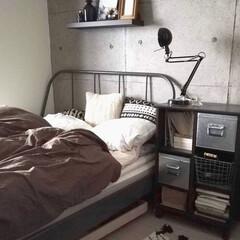 DIY/壁紙/コンクリート壁紙/スタンドライト/ベットルーム/ベットサイド/... 寒くなったので敷パットを冬用のものに変え…