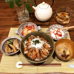 旬野菜/初物/丼もの/晩御飯/LIMIAごはんクラブ/わたしのごはん/... 今日の晩御飯は  ・豚ロースの甘辛丼 ・…