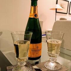 お気に入り/お気に入りのシャンパン/シャンパン/お酒/バカラ/ヴーヴクリコ/... シャンパンは特別な日に飲む大好きなお酒。…