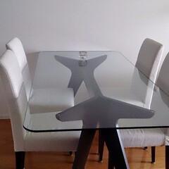 インテリア/ダイニングテーブル/ガラステーブル/モダンダイニング/ダイニングのインテリア/白を基調 ダイニングテーブルはガラスにして、部屋を…