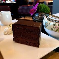 チョコレートケーキ/ホテルカフェ/リッツカールトン東京/大好物/ケーキ/カフェタイム/... リッツカールトン東京で頂いたチョコレート…