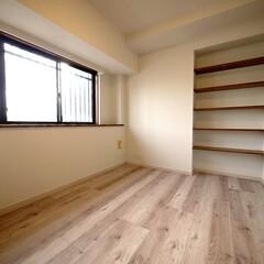 デッドスペース/収納棚 デッドスペースを利用してオープン収納棚も…