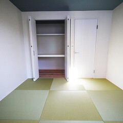 和室/収納/琉球畳 琉球畳のモダンな和室は押入れもクローゼッ…