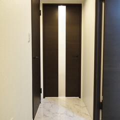 廊下/大理石調/フロアタイル フローリングから大理石調のフロアタイルに…