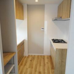 II型キッチン/キッチン収納 II型タイプで収納もたっぷりの炊事スペー…