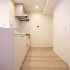 キッチン/優しい色合いのキッチン/白とベージュのキッチン 白とベージュの優しい雰囲気のキッチン。(1枚目)