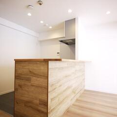 キッチンカウンター/造作カウンター/木目のカウンター 味のある木目で造作したキッチンカウンター