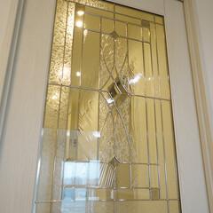 扉/ガラス装飾の扉/リビング扉 ガラスで細かい装飾のなされたリビング扉。
