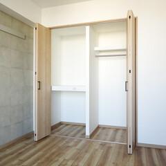 元和室/元押入/クローゼット/和室を洋室に 元和室は洋室に。押入れはパイプハンガーと…