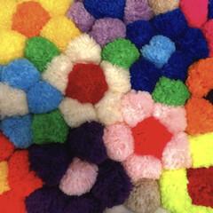 毛糸/お花/クッション/手作り/フォロー大歓迎/ハンドメイド/... 手作りクッション💐  母親のハンドメイド…