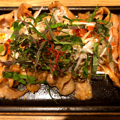 LIMIAお酒大好きクラブ/香草/エゴマ/韓国料理/豚肉/サリーちゃんは今日も飲む/... 料理名は忘れたけど、とっても美味しかった…