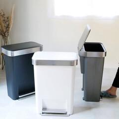 simplehuman/シンプルヒューマン/キッチン/スタイリッシュモダン/ゴミ箱/ダストボックス/... 使う度、高機能を感じさせるダストボックス…(1枚目)
