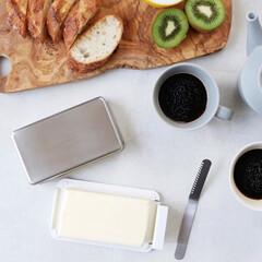 朝食パン/朝はパン/eaトco/バターケース/バター/キッチングッズ/... バターを美味しく保存する「バターケース」…