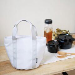 ランチジャー/ランチバッグ/スープジャー/ココポット弁当箱/ココポット/ランチボックス/... 丸い形のお弁当箱がぴったり収まる保冷機能…(1枚目)