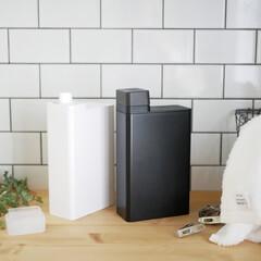 見せる収納/洗濯洗剤/詰め替えボトル/ランドリーボトル/ランドリー 詰め替えるシンプルな作業だけど、ちょっと…