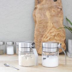 キッチンツール/調味料収納/スパイスボトル/調味料ボトル/調味料入れ/キッチン雑貨/... シンプルで使いやすいスプーン付きスパイス…