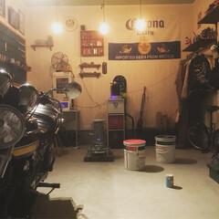 ガレージ/DIY/雑貨/住まい/建築 夜中にガレージでアムロちゃんのライブを鑑…