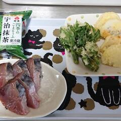 「今日の夕食🌃🍴 ウドの新芽(自宅🏠️の畑…」(1枚目)