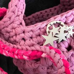丸洗い/フェレット/編み物/ショルダーバッグ/ハンドバッグ/うさぎ/... ズパゲッティの糸を使い、春らしいカラーの…(5枚目)