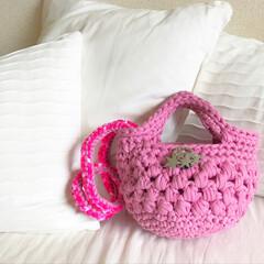 丸洗い/フェレット/編み物/ショルダーバッグ/ハンドバッグ/うさぎ/... ズパゲッティの糸を使い、春らしいカラーの…(4枚目)