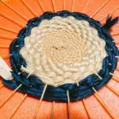 ニット/毛糸/ウィービング/クッション/マット/織物/... ウィービングで作る毛糸のマット2個目完成…(4枚目)