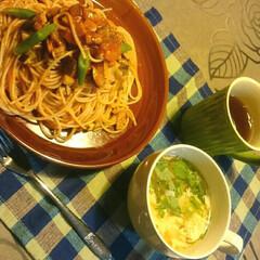 お野菜も入れましょ/ミートソーススパゲッティー/夜ご飯/赤いキッチン こんばんは☺  赤いキッチンより  今日…