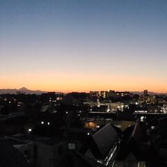夕暮れの空/秋 あまりにきれいなグラデーション。 通常の…